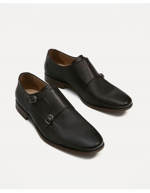 BROWN LEATHER SHOE WITH TWO STRAPS