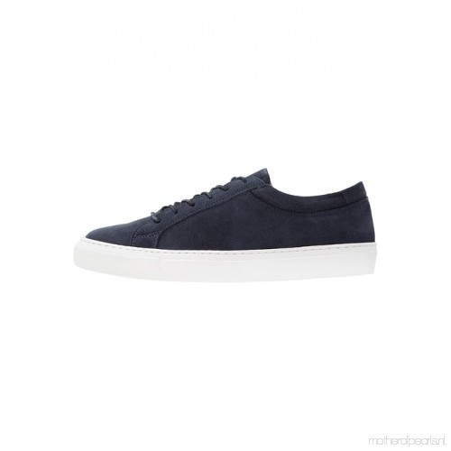 31f9ca9bf2e97f JACK AND JONES GALAXY SUEDE NAVY BLAZER SNEAKERS Quick View